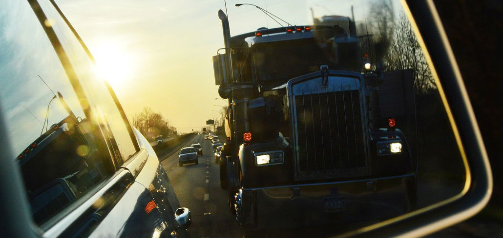 Distracted Truck Drivers More Likely to Engage in Other Dangerous Behaviors